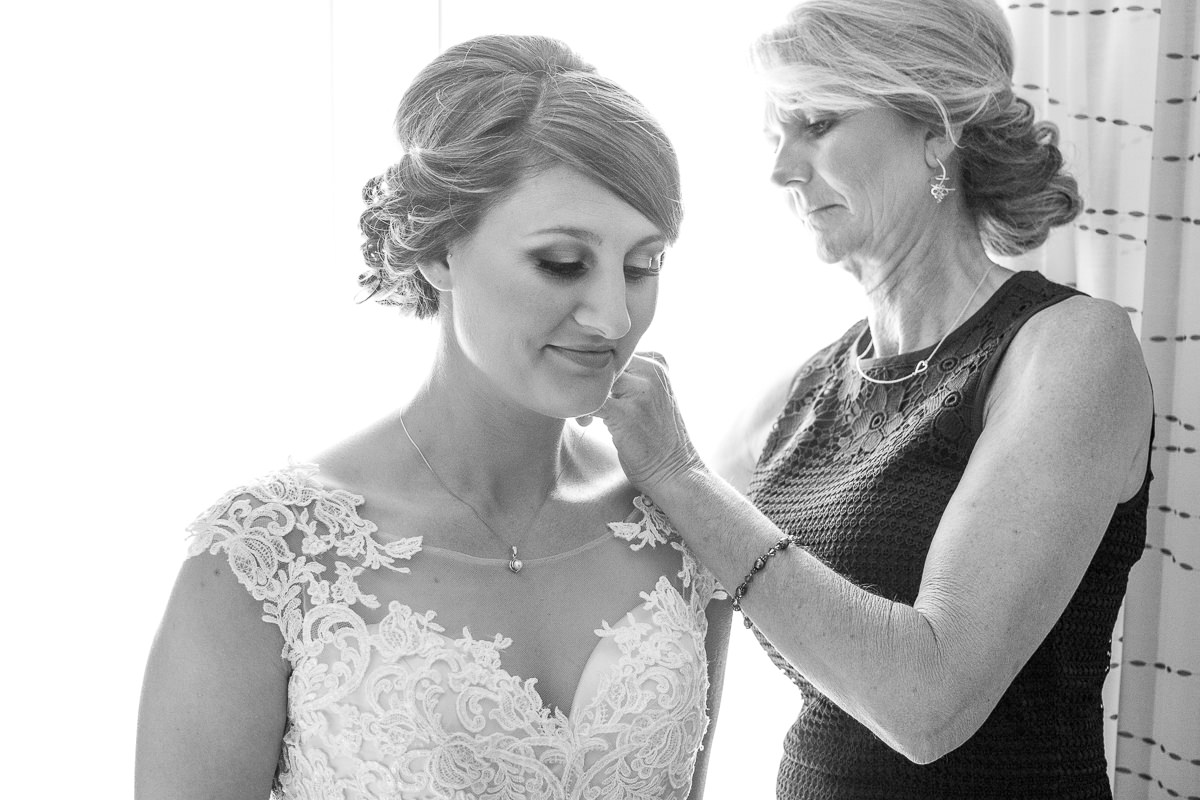 Des Moines Wedding Photography Bride Getting Ready