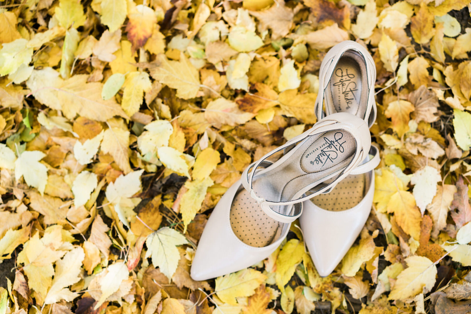 Des Moines Wedding Photographers Bride Shoes